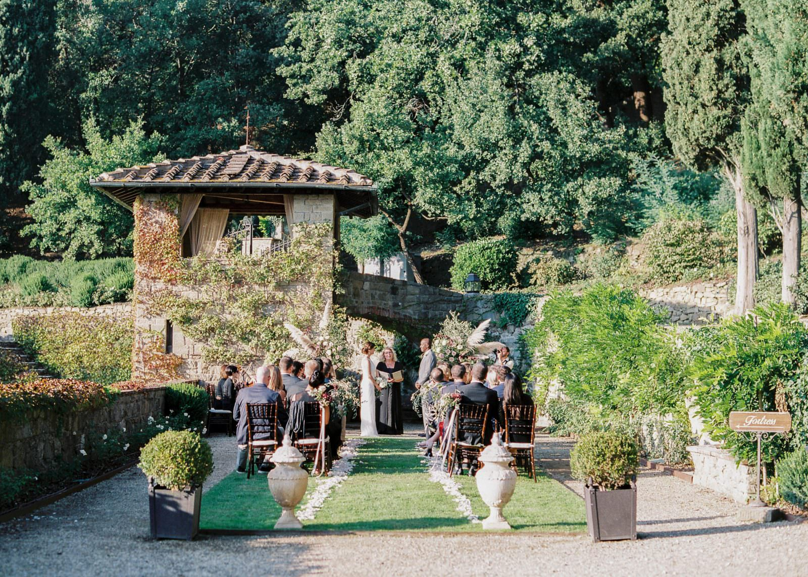 Villa-le-Fontanelle Tuscany wedding seating