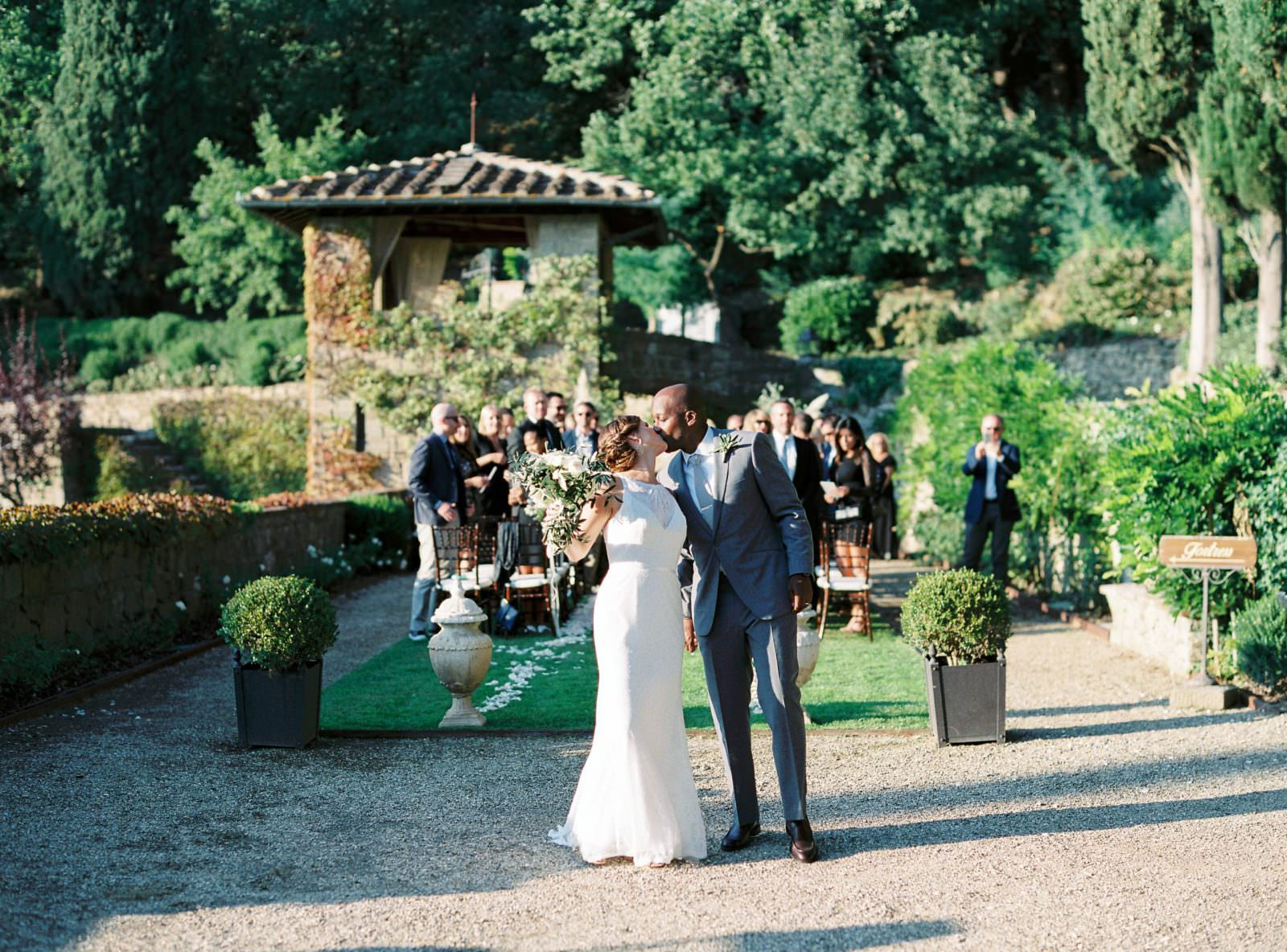 Perfect Wedding Ceremony at Villa Le Fontanelle in Florence Tuscany