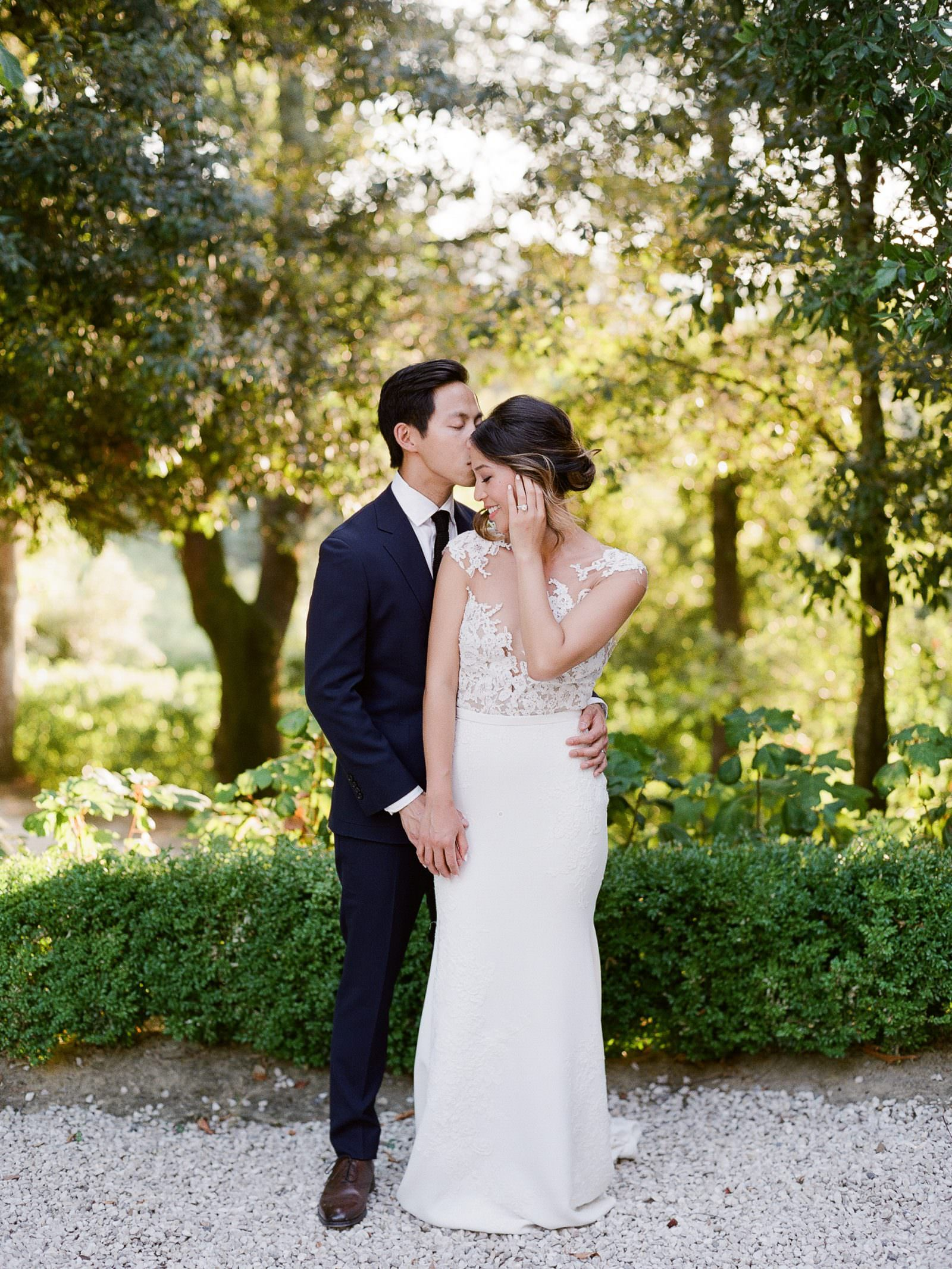 Wedding Portraits at Poggio Piglia, Tuscany by wedding photographer Adrian Wood