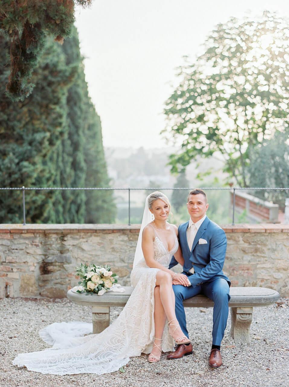 Bridal portrait in an Italian garden - Villa agape