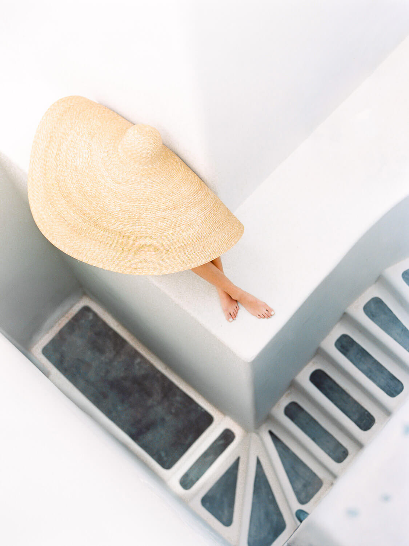 vogue-summer-hats-santorini