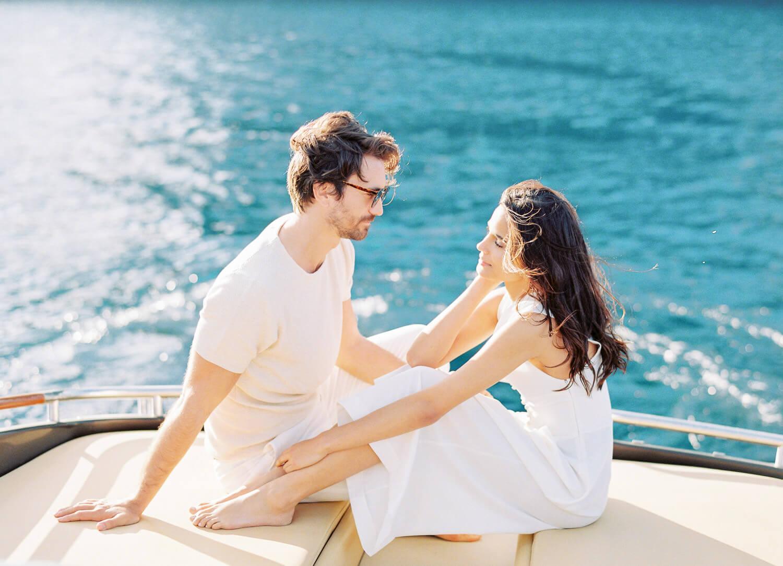 riva-yacht-santorini-honeymoon-engagement